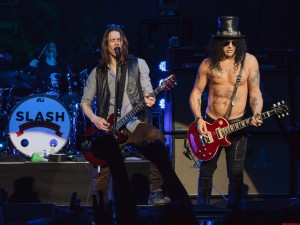 Slash-Myles-Kennedy-2012